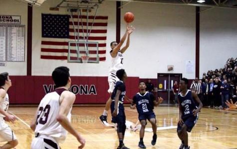 Boys Basketball Captures Sectional Championship