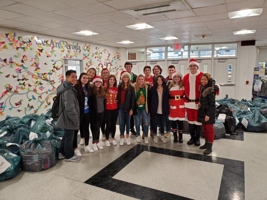 Santa+Visits+Hawkins+School